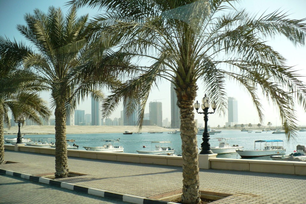 Дубай. Набережная.